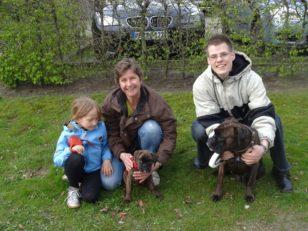 Heike und Tabea mit Alina, Sören und Alea.